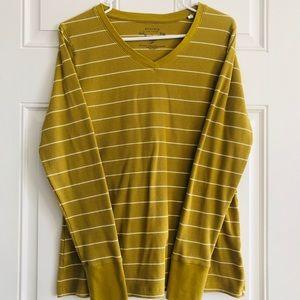Sonoma Life & Style Long Sleeve V-neck Size Large